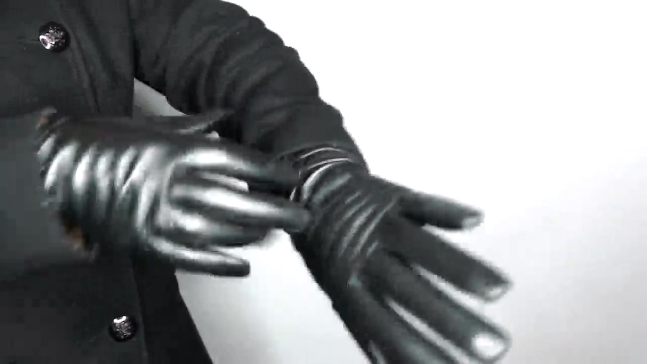 Very soft leather gloved blowjob gilf - 1 9