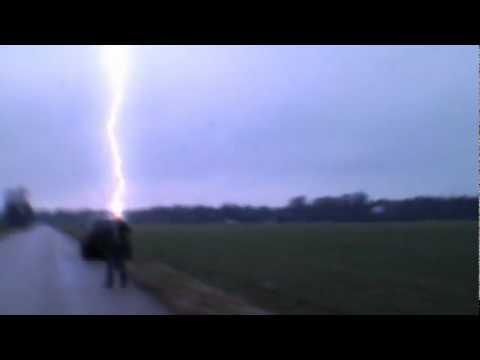 Menschen Vom Blitz Getroffen