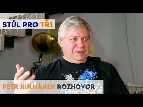 Petr Kulhánek rozhovor: Vědu jsme svázali předpisy a to se nám vymstí | Neurazitelny | Stůl pro tři