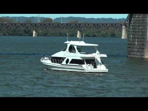 yacht on Ohio River, Louisville, Kentucky, August 2015
