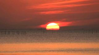 山陰 松江の景勝として名高い宍道湖の夕景です。 11月の初めは松江から...