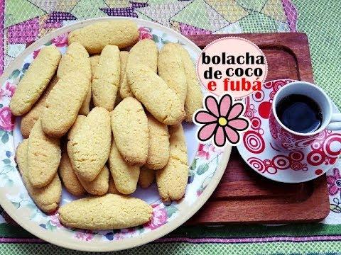 BOLACHA DE FUBÁ COM COCO
