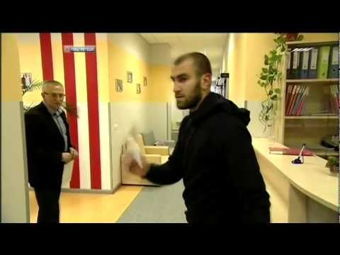 Юра Мовсисян говорит по русски