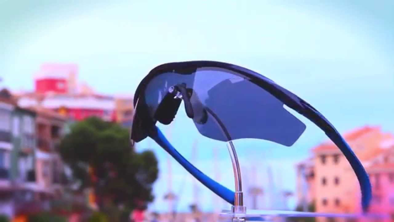 Vídeo 360 en exterior - Gafa Oakley M2 Frame Polarized   lens-sport.com -  YouTube 8a380bd53a