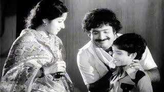 Seetamalakshmi Songs - Padhe Padhe Paduthunna - Talluri Rameshwari, Chandra Mohan - Ganesh Videos