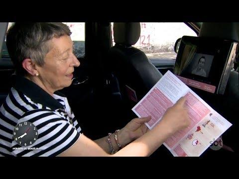 ONG distribui informativos sobre o câncer de mama por 800 táxis de SP   Primeiro Impacto (09/10/17)