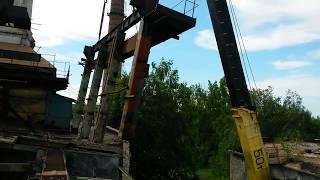 50 тонник, чудо кран не понятного производства.