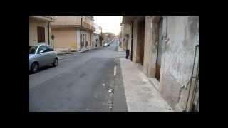 Guida lungo la strada principale di Cassaro