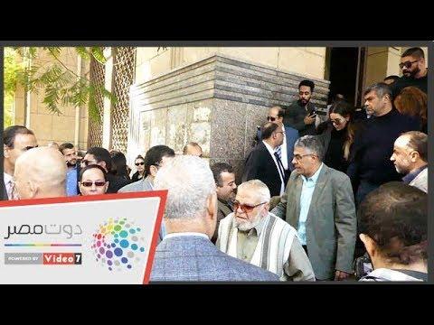 جثمان إبراهيم سعدة فى طريقه إلى مثواه الأخير بمقابر الأسرة  - 14:54-2018 / 12 / 13
