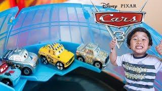 Disney Cars Toys Mini Racers SILVER RSN Series & Demo Derby Faregame Fishtail Toy Review