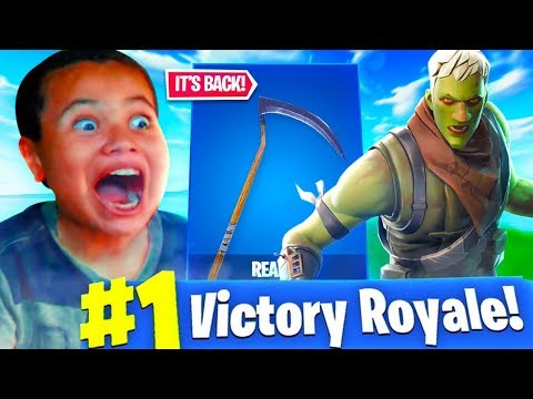 SURPRISING MY LITTLE BROTHER WITH THE REAPER PICKAXE!! HE HAD NO IDEA IT WAS IN THE SHOP! - FORTNITE