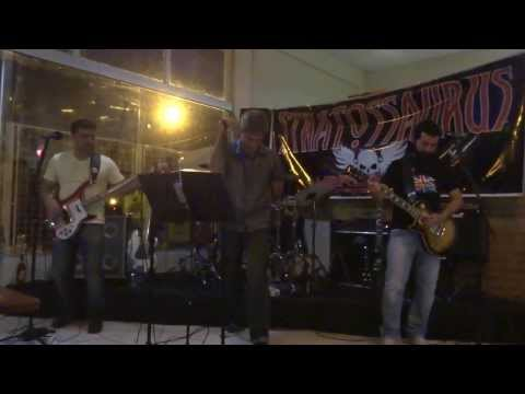 STRATOSSAURUS - WAR PIGS - OZZY COVER NO BAR ACADEMIA