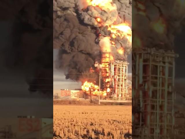 Pavia, violento incendio nella raffineria Eni di Sannazzaro: video #1