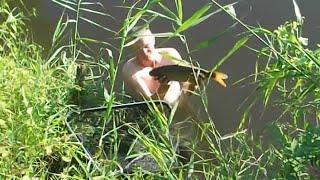 Рыбалка донкой на реке. Экстрим! Ныряем и выводим сазана из коряг.(Самые увлекательные и драматические события разворачивались на протяжении всего дня вторника с одной..., 2016-09-01T05:19:20.000Z)