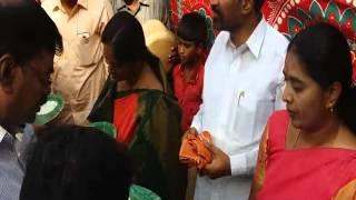Paritala Sunitha MF&CS Serving Food In Anantapur 14-4-2016