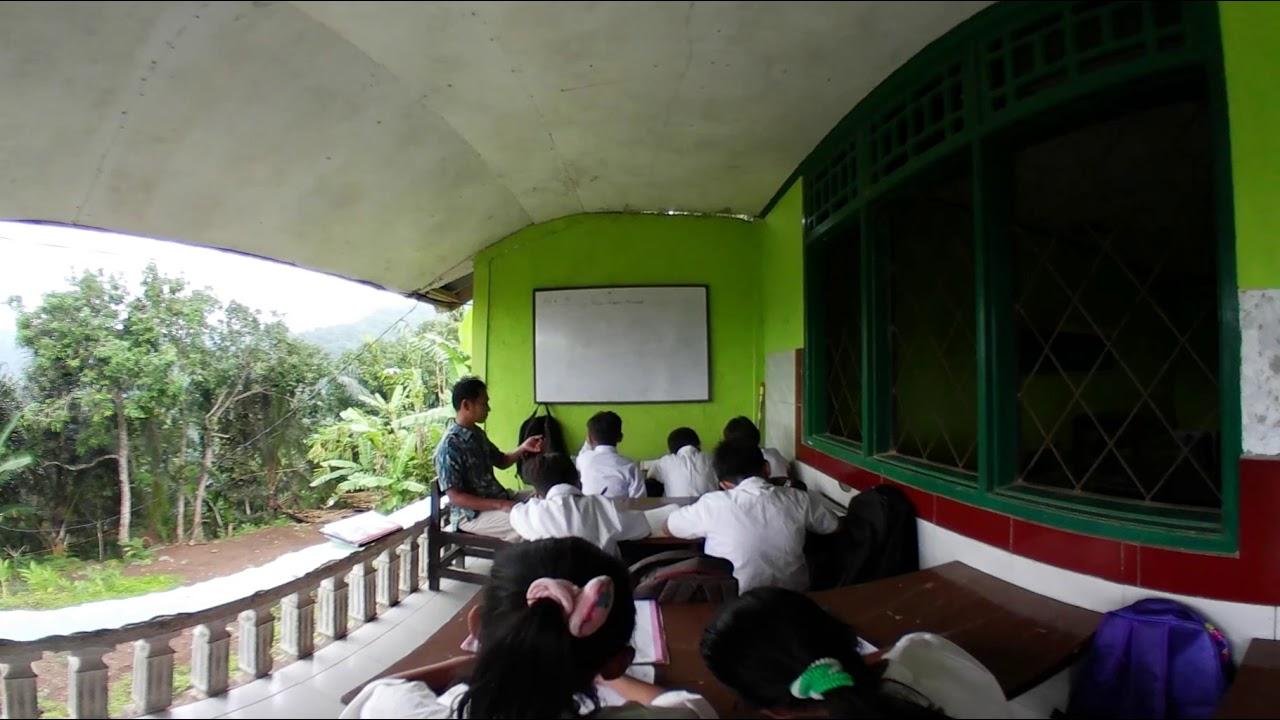 Duduk Atas, the first Indonesian school where children were