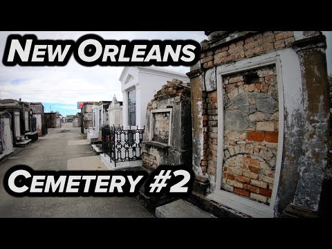 NEW ORLEANS CEMETERY TOUR!!