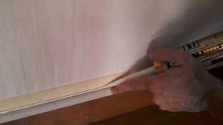 Как убрать щель между плинтусом и стеной.