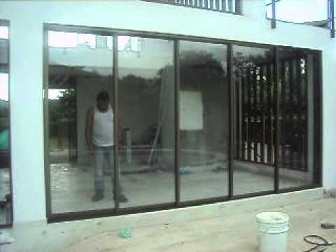 Puerta corredera en aluminio 2 6 youtube - Puertas para jardin de aluminio ...