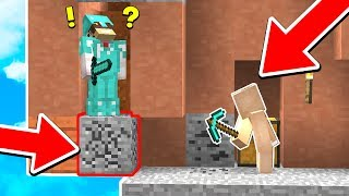 THIS INVISIBLE MINECRAFT TRAP IS CRAZY (Minecraft Trolling)