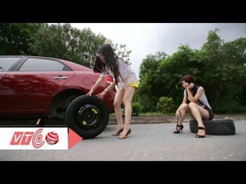 Xử trí xe bị nổ lốp khi đang lưu thông | VTC