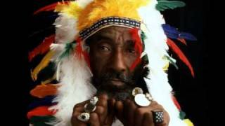 Lee Perry - Give Thanks To Jah