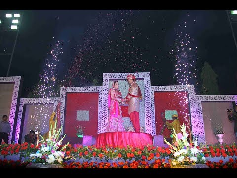 abhinav-&-astha-grand-hindu-indian-wedding-latest-best-top-shaadi-surat-gujarat