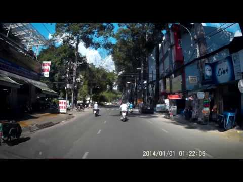 G1W-CB car dashcam daytime drive test - Ho Chi Minh City streets