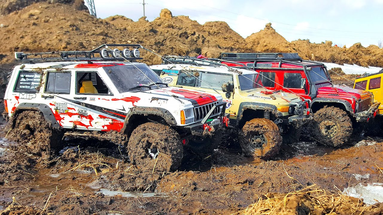 Jeep Cherokee на бездорожье против Land Rover Defender, Toyota FJ Cruiser - Кто лучший в Грязи?