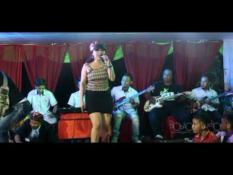 SYAHIBA SAUFA - KELANGAN 2 // Hyut Music Live Cemetuk