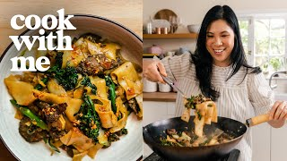 THAI FOOD! Easy PAD SEE EW Recipe (Thai Stir Fried Noodles) | COOK WITH ME Episode 14