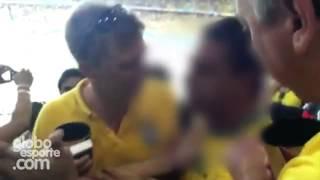 Trio suborna vendedor, entra no estádio com colete e briga com mexicanos