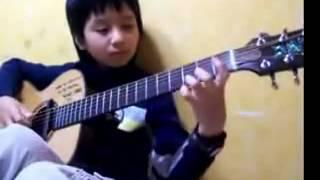 как можно играть на гитаре