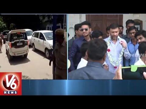 Akbaruddin Attack Case : Akbaruddin Owaisi Attends Nampally Court | V6 News