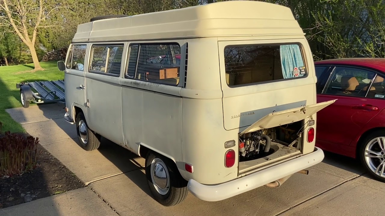 Download 1970 VW Camper Bus by Riviera, no music