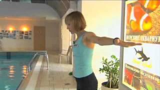31/40 неделя. Аквааэробика для беременных.(Физическая активность на последнем триместре. Инструктор по аквааэробике показывает комплекс упражнений..., 2011-05-10T15:53:53.000Z)