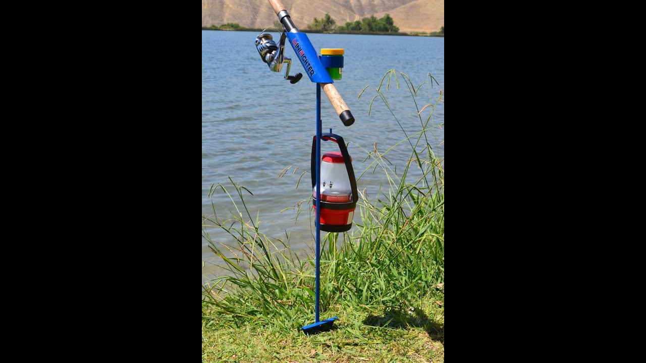Review minifighter fishing rod holder blue youtube for Diy fishing pole holder