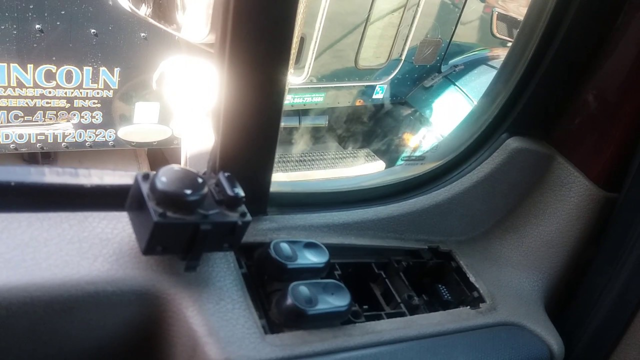 hight resolution of freightliner cascadia mirror dont move
