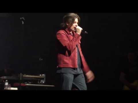 Ne Regrette Rien (Vengeance) ~ Benjamin Biolay ~ Concert AB Bruxelles (26-04-2013)