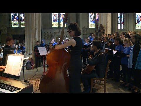 Choeurs d'enfant AMWAJ de Palestine et de l'orchestre de Paris à Aubervilliers