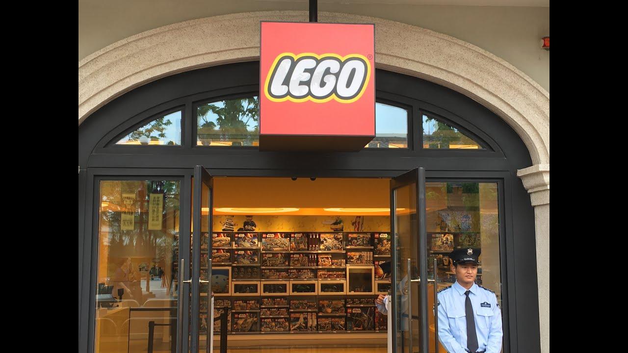 В сертифицированном магазине lego® представлен широкий ассортимент конструкторов популярных серий по рекомендованным производителем.