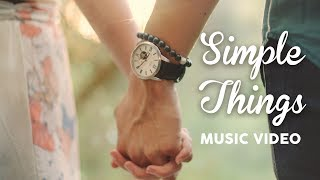 Brooklyn and Bailey – SiMPLE THiNGS (Official Music Video)
