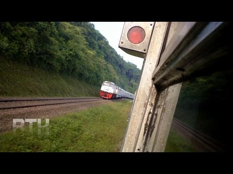travel gatel: Panorama Perjalanan Kereta Api Ciremai Express (Indonesia Train)
