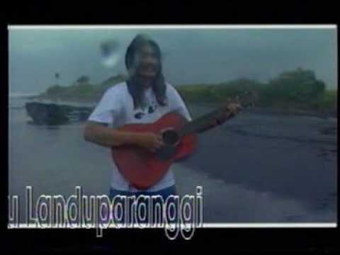 "Tan Lioe Ie Menyanyikan ""Lagu Tujuh Patah Kata"" (Puisi Umbu Landu Paranggi)"