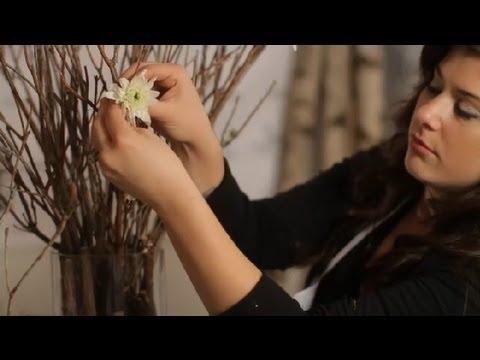 DIY Centerpieces Using Wood & Flowers : Flowers & Centerpieces
