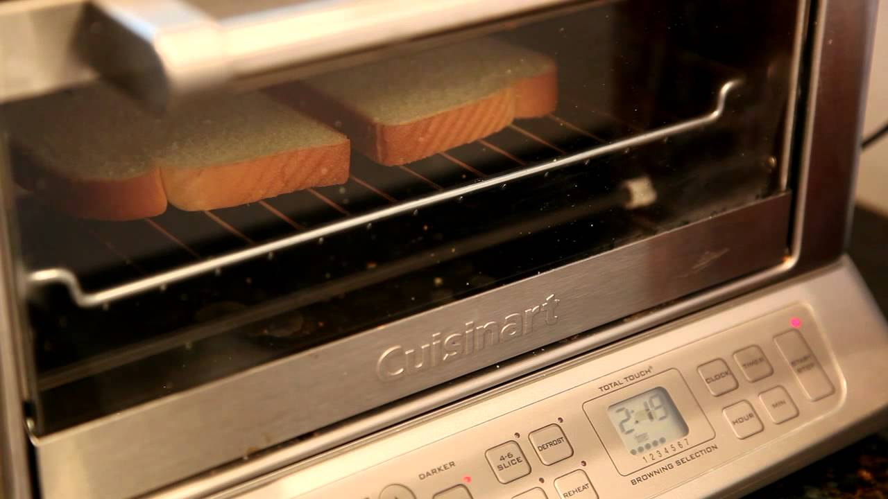 Toast with the Cuisinart TOB 195 toaster oven