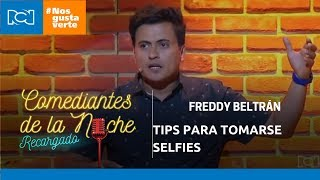 Freddy Beltrán in Comediantes de la noche - Tips for taking selfies