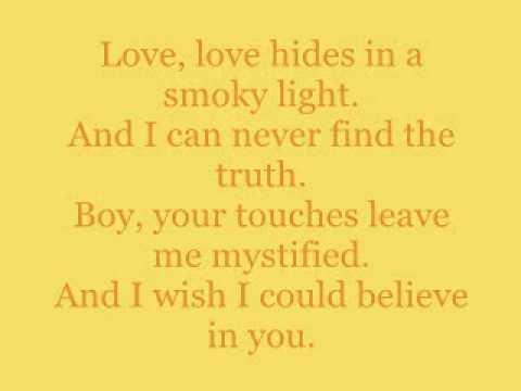 """""""I'm Not Your Toy"""" - La Roux (lyrics)"""