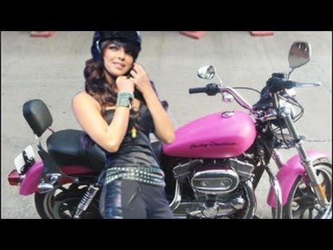 All Indian Girls Wallpaper Priyanka Chopra S Hot Pink Harley Davidson Bike Youtube