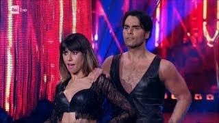La Salsa di Massimiliano Morra e Sara Di Vaira - Ballando con le Stelle 14/04/2018